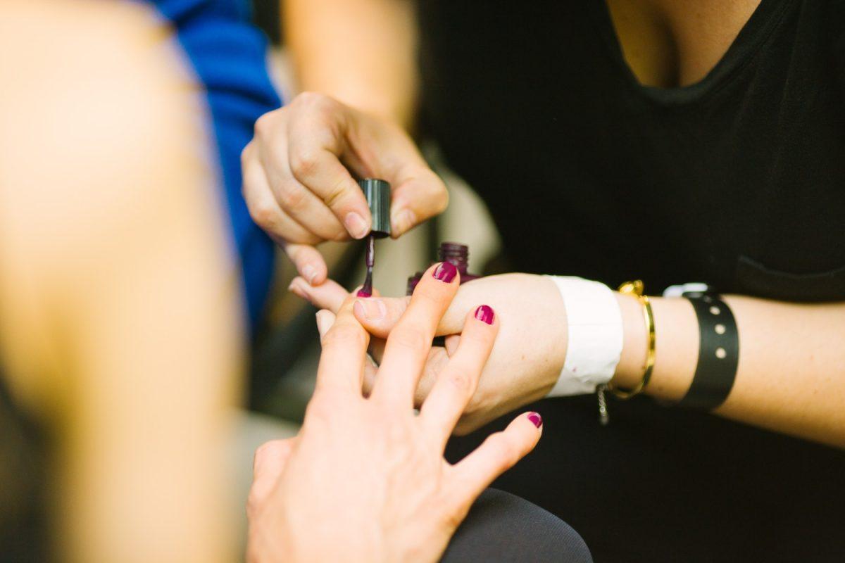 Manicure winylowy, czyli jaki?